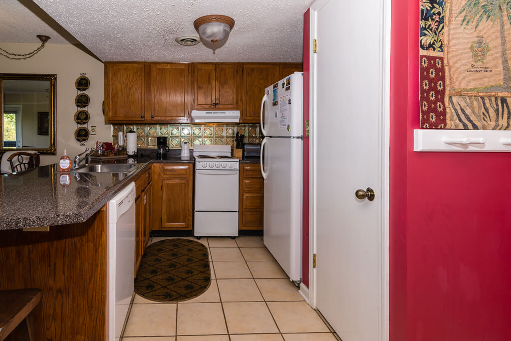 Fully equipped kitchen. Everything you need except the food!